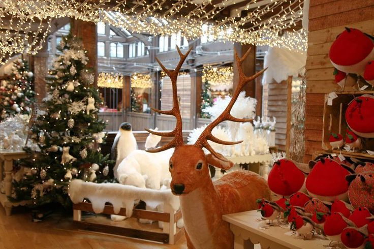 Last minute christmas tree london s best shops for for Salon xmas decorations