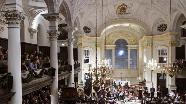 festive-family-carols-by-candlelight-at-st-martin-in-the-fields-bb83c19f76c79abc24c933308d19f264