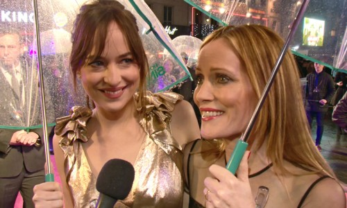 how-to-be-single-premiere-london-dakota-johnson-leslie-mann