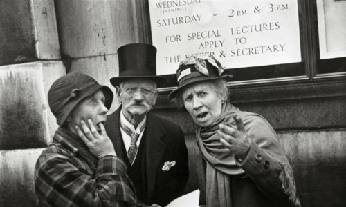 Henri Cartier Bresson people on the streets coronation George VI (1)