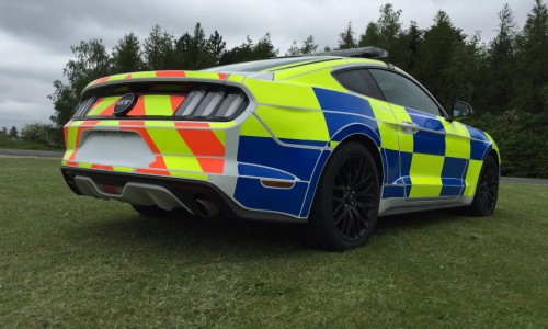 Ford-Mustang-with-UK-Police-Livery-9
