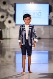 models-walk-the-runway-at-the-ftl-moda-kids-collection-showcase-on-picture-id601965170