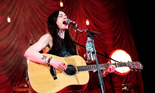 amy-macdonald-at-islington-assembly-hall-guifre-de-peray-the-upcoming-02